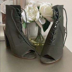 Steve Madden olive green booties size 6 brand new